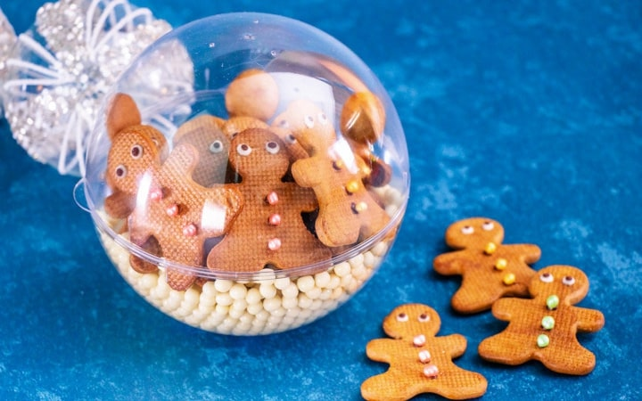 frosted gingerbread man cookies